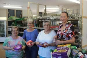 Volunteers Tina, Karen and Irene with ACT MP Gai Brodtmann, who visited the Food Hub last year.