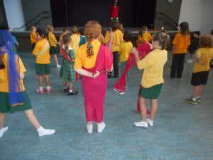 Hawker Bollywood dancing